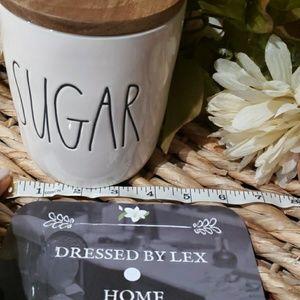 Rae Dunn Kitchen - NWT HTF Rae Dunn SUGAR canister with wood lid